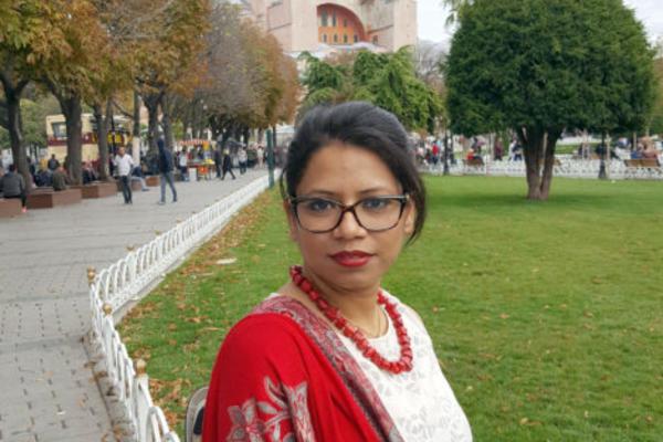 Dr Sayantani Neogi