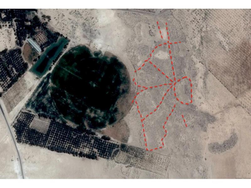 Centre pivot irrigation upon deserts kits near Azraq, Saudi Arabia