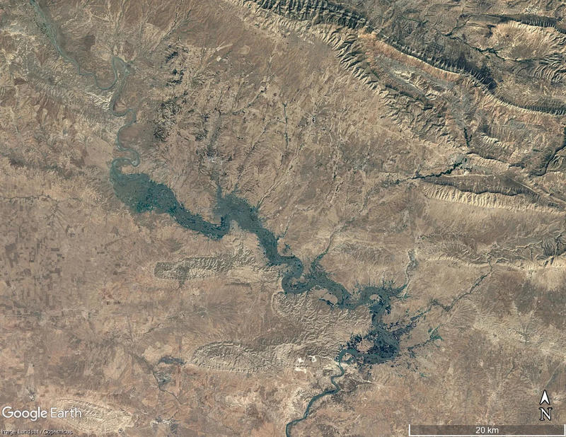 Figure 1 – Google Earth image of the Iraqi Upper Tigris valley in 1984 before the flooding of the Mosul Dam Reservoir.