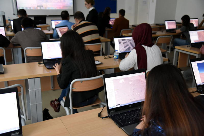 Practical Sessions on Google Earth 1