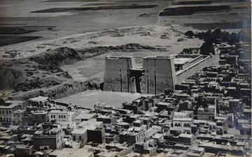 "Fig. 3: Edfou temple, (EAMENA archive ""R.E. Collis collection, courtesy of Joan Allen"")"